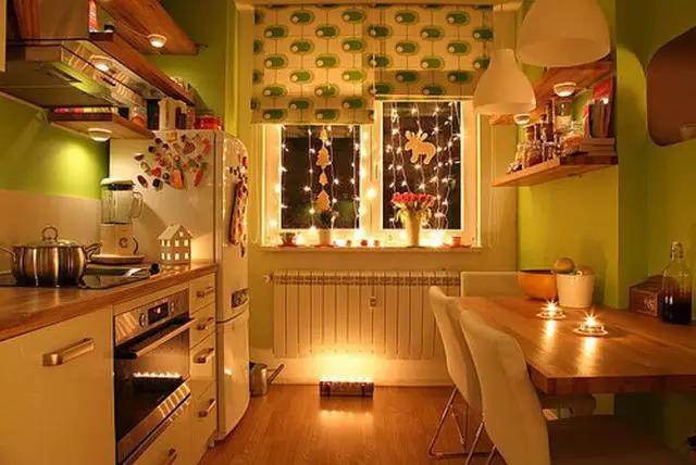 厨房的窗帘要怎么挂?