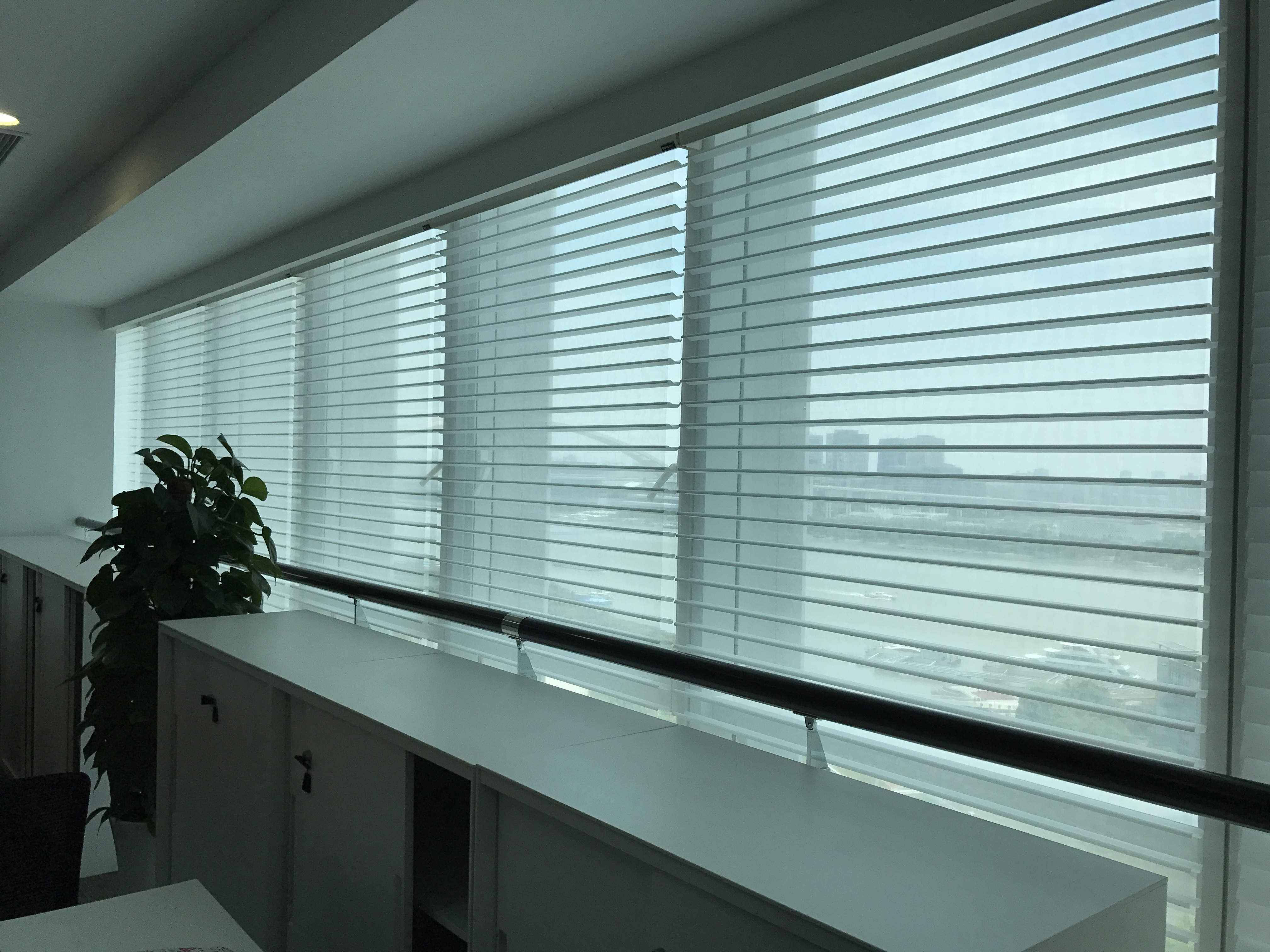 上海恒丰银行遮阳窗帘项目