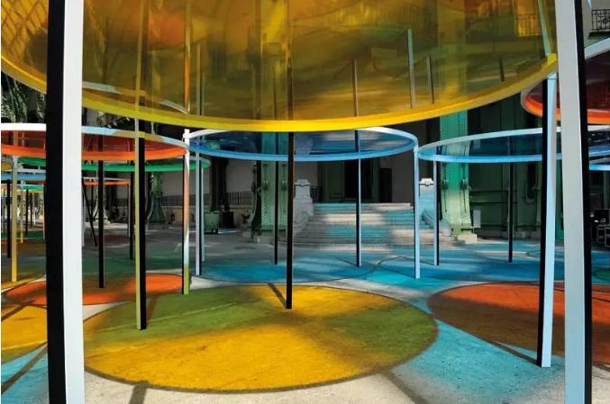 丹尼尔·布伦彩色玻璃室内遮阳应用