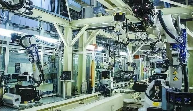"""传统门窗行业向智能化生产转型,""""无人工厂""""成为未来趋势"""