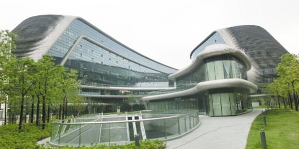 上海博开为携程网络提供蜂巢天棚帘