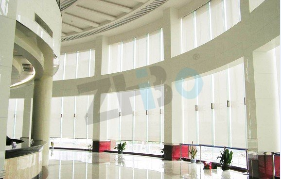 现代建筑玻璃采光顶遮阳系统